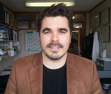 Associate Professor Jonathan Broadbent