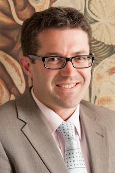 Dr Nicholas Cutfield
