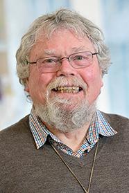 Emeritus Professor Warren Tate